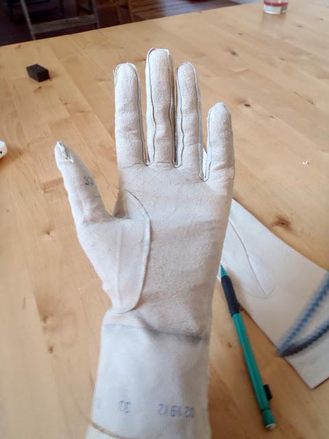Перчатки из замши своими руками