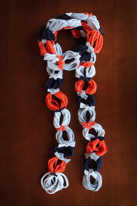 А получается очень необычный шарф, который можно